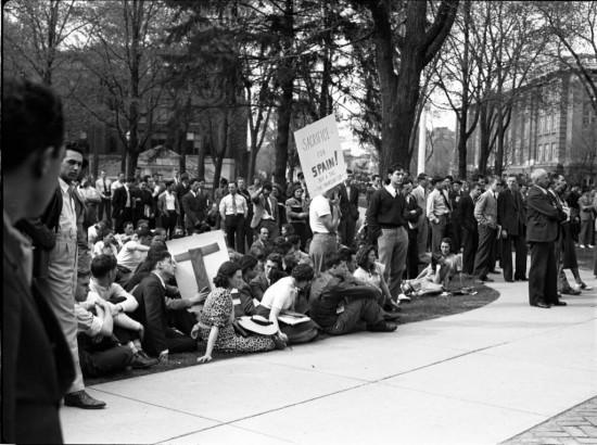 Michigan students rally for Spain during the Spanish Civil War. Photo University of Michigan.