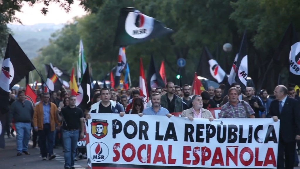 "Right-wing protest from the Spanish ""Movimiento Social Republicano el 12 de Octubre,"" March 2014. Photo Likiloko9991. CC BY-SA 3.0"