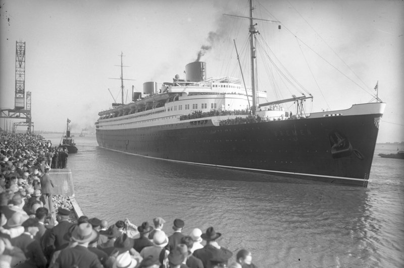 The SS Bremen in 1931. Bundesarchiv, Georg Pahl, CC-BY-SA 3.0.