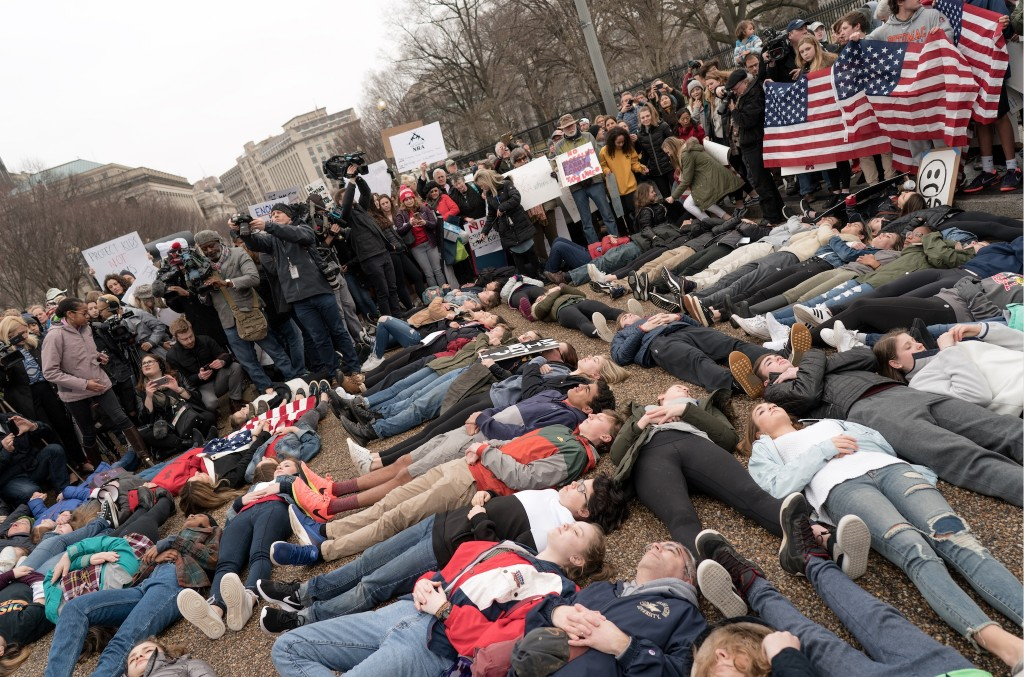 Student lie-in at the White House to protest gun laws. Feb. 19, 2018. Photo Lorie Shaull. CC-BY-S.A. 2.0.
