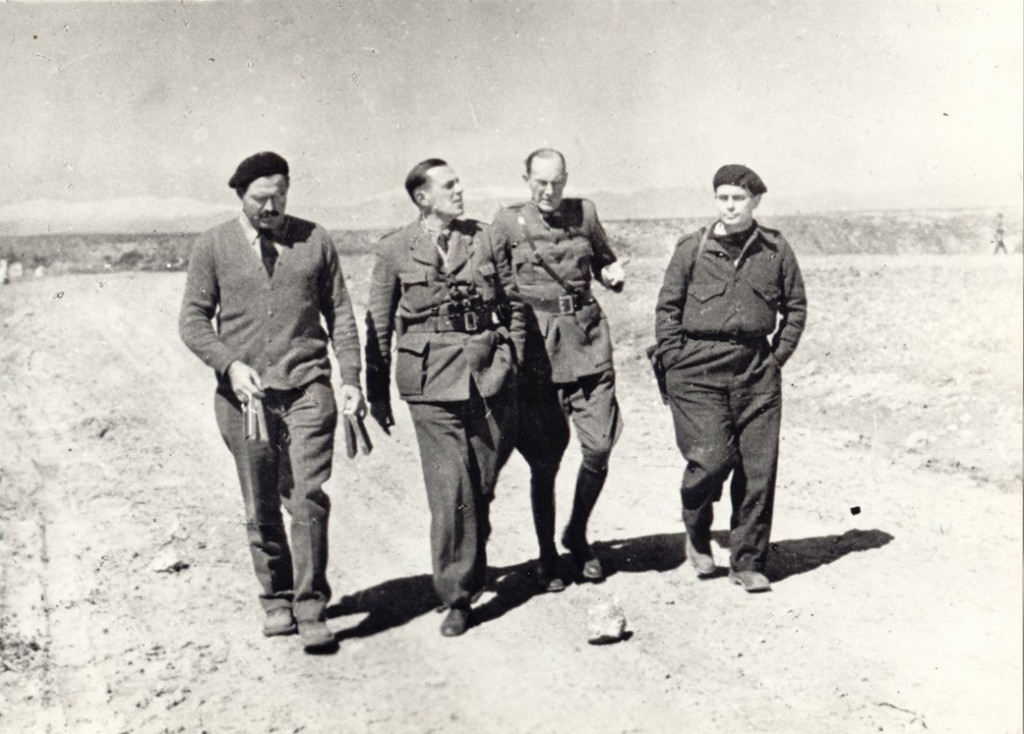 Hemingway, Ivens and Republican officers. Photo Ivens Foundation
