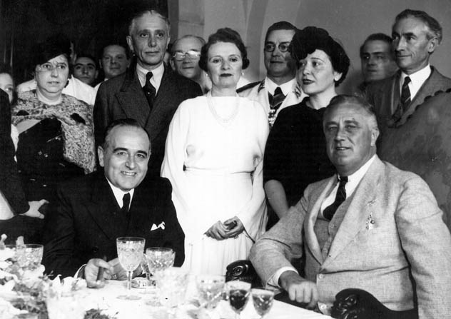 Roosevelt with Brazilian President Getúlio Vargas and other dignitaries in Brazil, 1936. Public Domain.