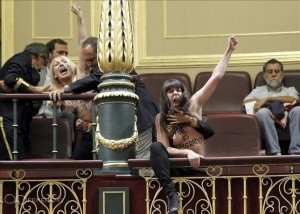 417747-femen-topless-spanish-parliament