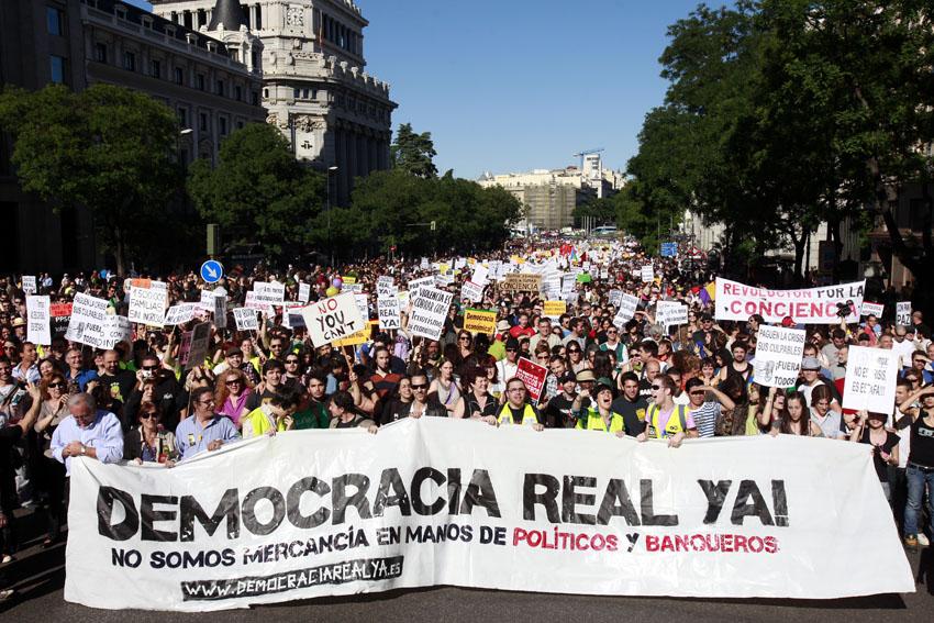 Democracia Real YA demonstration in Madrid on May 15, 2011. Photo Olmo Calvo. CC BY-SA 3.0.