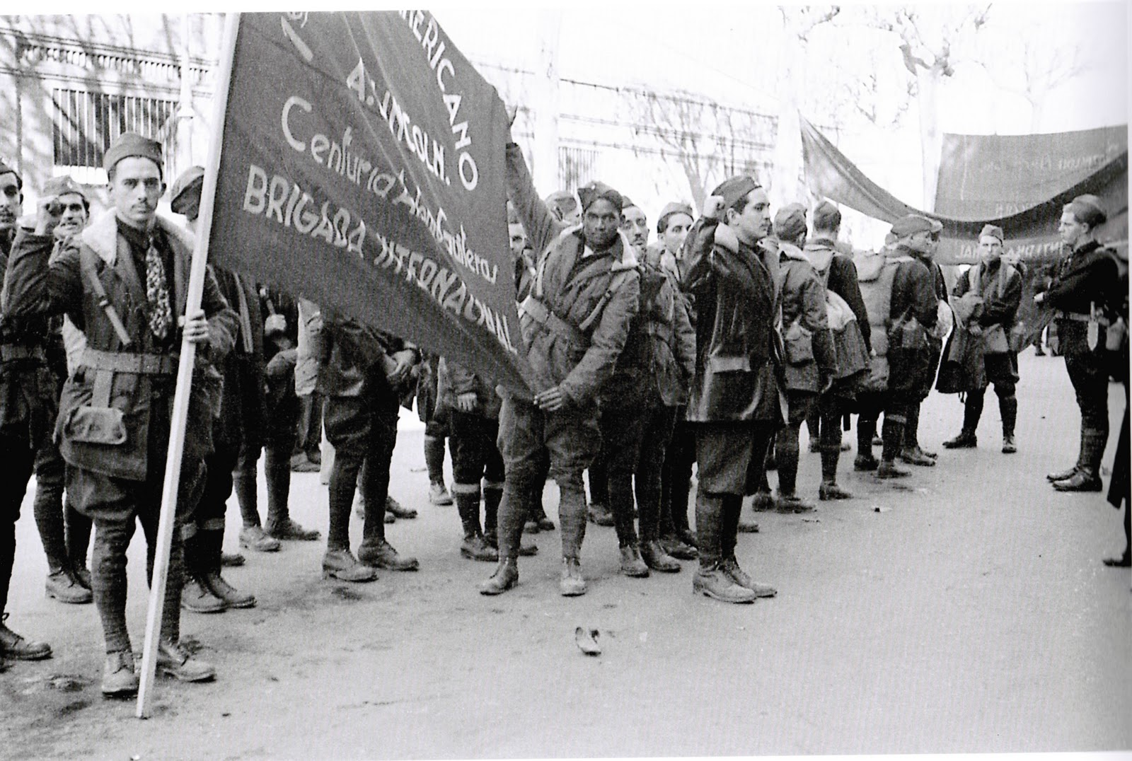 Cuban volunteers belonging to the Abraham Lincoln Brigade. Barcelona, January 1937. Photo Agustí Centelles.