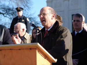 Michael Ratner in front of the US Supreme Court in Washington DC, 11 January 2006. Photo Jonathan McIntosh. CC-BY-2.5
