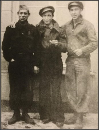 Nate Thornton (far right) and two unidentified Spanish Soldiers, Thornton collection.