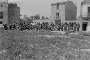 Cabo School Ebro Front, May 1938; Harry Randall: Fifteenth International Brigade Films and Photographs; ALBA PHOTO 011-1151 (D525); Tamiment Library/Robert F. Wagner Labor Archives Elmer Holmes Bobst Library 70 Washington Square South New York, NY 10012, New York University Libraries.