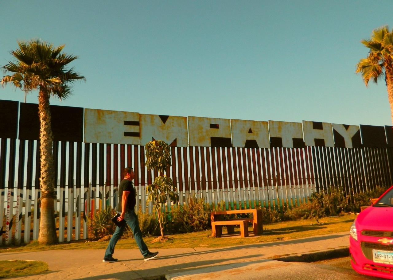 Border wall at Tijuana, 2014. Marcela Barroso. CC-BY-SA-4.0.